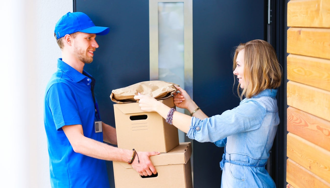 Why People Prefer To Send Their Parcels Through Courier Services